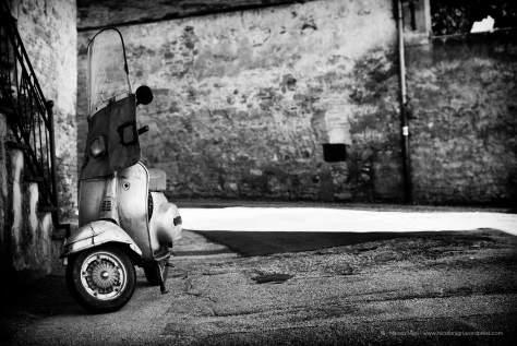 Bevagna, Umbria, Italia, Vespa By Nicola Nigri @2014